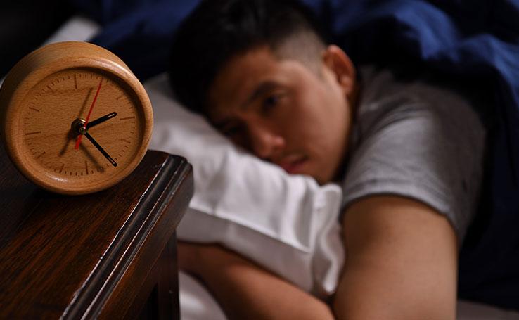 dicas de como combater a insônia e dormir melhor